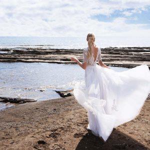 romantiko-nyfiko-2017-ball-gown-mpousto-dantela-louloudia-3d-fousta-toulinh-yianna-couture-dominique-02